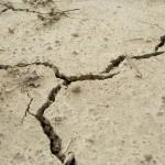 地震は大地が動く