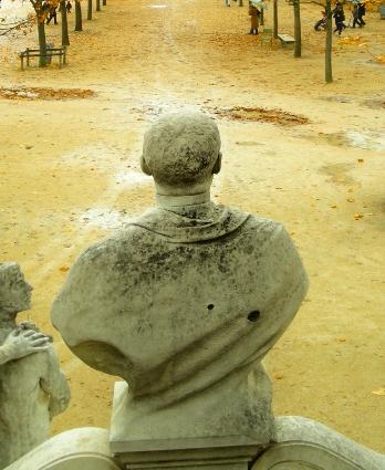 バストとお墓